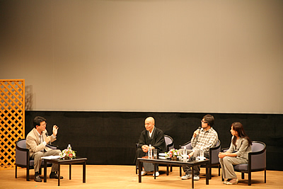 http://www.mirai-cinema.jp/image/img_100921-13.jpg